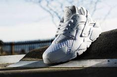 Nike Air Huarache Triple White - 318429-111