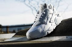 Nike Air Huarache Triple White - 318429-111