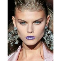 Makeup violet lips