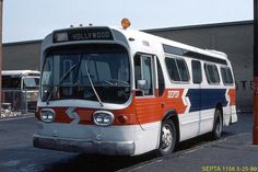 SEPTA 30FT. GMC FISHBOWL Heavy Duty Trucks, Heavy Truck, New Bus, Buses And Trains, Run Today, Cab Over, Bus Coach, Red Arrow, City Scene