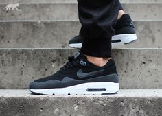 Nike Air Max 1 Ultra Moire (Black / Black - Dark Grey - White)