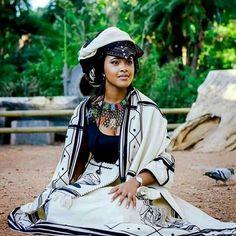 Xhosa Attire, African Attire, Dress Attire, Ethiopia, African Fashion, Riding Helmets, Royalty, Culture, African Prints