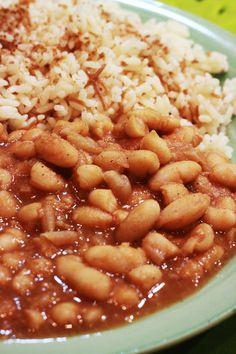 Fasoulya-Lebanese food, my favorite dish! Middle East Food, Middle Eastern Dishes, Middle Eastern Recipes, Armenian Recipes, Lebanese Recipes, Turkish Recipes, Lebanese Cuisine, Arabic Recipes, Vegetarian Recipes