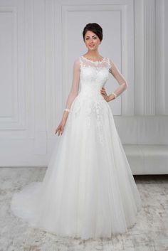 3c053a1c008b Luxusné svadobné šaty s čipkovaným korzetom a tylovou sukňou
