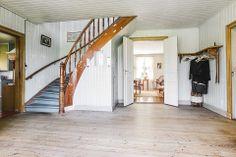 Entréhall House Built, Hallways, My House, Folk, New Homes, Decorating Ideas, Stairs, Exterior, Culture