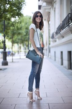 Un jean dos bloggers. Jeans and t-shirt. Street style outfits. Looks de street style. Fashion Blogger