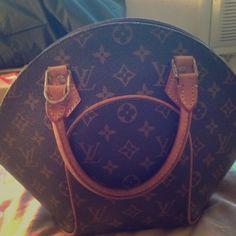 Louis Vuitton balling bag 100% authentic no scratch no stain one zipper top missing Louis Vuitton Bags