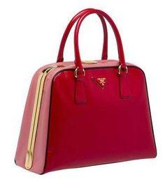 Prada Pyramid bag rossa
