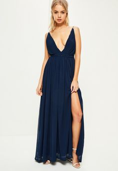 Missguided - Navy Pleated Plunge Maxi Dress