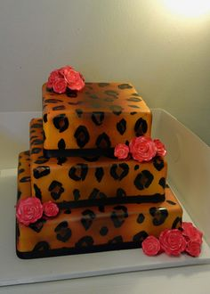 Pretty Cakes, Beautiful Cakes, Amazing Cakes, Unique Cakes, Creative Cakes, Fondant Cupcakes, Cupcake Cakes, Leopard Cake, Leopard Party