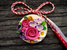 Martisoare 2015 | Humpty Dumpty Polymer Clay Miniatures, Polymer Clay Projects, Clay Crafts, Diy And Crafts, Polymer Clay Flowers, Polymer Clay Charms, Polymer Clay Jewelry, Craft Activities For Toddlers, Biscuit