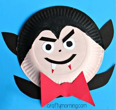 Make a fun paper plate vampire craft for kids! It's a fun halloween art project for them to make on a budget.