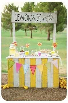 Summer fun inspiration! 6 Adorable & Lovable Lemonade Stands
