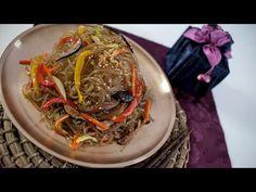 Japchae recipe, delicious Korean noodles dish with colorful veggies! Fried Noodles Recipe, Korean Noodles, Noodle Recipes, Korean Food, Japchae, Easy, Veggies, Healthy Eating, Favorite Recipes