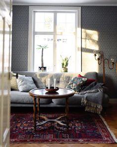 """978 gilla-markeringar, 32 kommentarer - Byggnadsvård-light av ödehus (@villaenhorna) på Instagram: """"Så har vi bott här i lite mer än tre månader. Vi har börjat lära oss vilka strömbrytare som går…"""" Decorate Your Room, Take Me Home, Better Homes And Gardens, Room Organization, Kitchen Design, Home Improvement, Household, Home And Garden, Room Decor"""