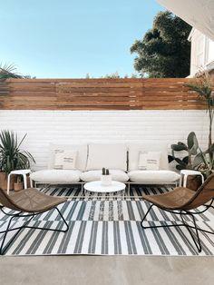 Diy Privacy Fence, Backyard Privacy, Diy Fence, Backyard Fences, Backyard Landscaping, Outdoor Fencing, Fence Design, Garden Design, Bungalow