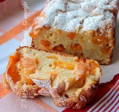Cake soft peaches and apricots yogurt recipe my know-how Yogurt Recipes, Sweets Recipes, Cake Recipes, Peach Yogurt Cake, Delicious Desserts, Yummy Food, Gula, Plum Cake, Bread Cake