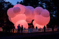 BIG installatie paviljoen verlichting evenement roze © Jesper Palermo