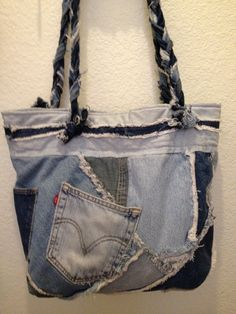 Large denim bag This bag can be used for a by NannysPinsnNeedles Purses And Handbags, Luxury Handbags, Jean Purses, Fashion Bags, Fashion Handbags, Denim Ideas, Denim Crafts, Boho Bags, Recycled Denim