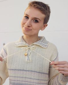 Cute & cozy vintage pastel 1980s sweater paired with my beloved little locket🍥✨❄️ #vintage #vintagestyle #vintagefashion #vintagelook #vintag... - Skylar Dean (@theskylardean)