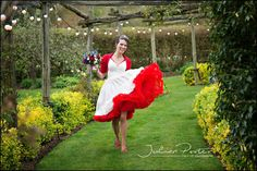 wedding photos southampton, hampshire wedding photography, relaxed wedding photos, weddings by julian porter, beautiful wedding photos, destination wedding photos, kent wedding photos, gardens yalding