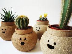 Caras e bocas: estes vasos são fofos e ainda deixam o seu espaço mais divertido. Da Namnamceramicsm Nam Ceramics, àvenda na Etsy.