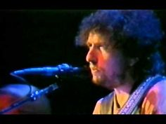 Watch Bob Dylan, CSNY, and Tom Petty Perform at the 1988 Bridge School Benefit « 100.7 WZLX