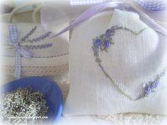 Lavanda e Lillà: Ringraziamenti e Sacchetti di Lavanda ..... #rose #embroidery