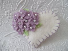 Feltro fiore spilla di perline cuore festa di pennysbykristie
