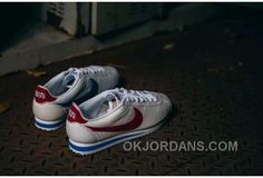 los angeles 50b73 5c777 Nike Cortez Chinese Charaters On The Back