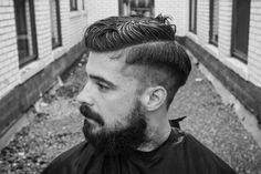 Wie man Justin Timberlakes Haare bekommt – The Idle Man – Willkommen bei Pin World Mens Hairstyles Fade, Classy Hairstyles, Side Swept Hairstyles, Cool Mens Haircuts, Cool Hairstyles For Men, Men's Hairstyles, Side Part Mens Haircut, Modern Gentleman, Justin Timberlake