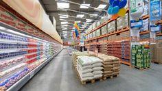 Supermarket Design, Farm Store, Pallet Designs, Home Gadgets, Marketing, House Rooms, Store Design, Warehouse, Wood