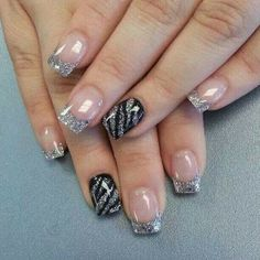 French nails with grey glitter plus ring finger nail in black and grey striped zebra stripes Fabulous Nails, Gorgeous Nails, Pretty Nails, Perfect Nails, Hot Nails, Hair And Nails, Zebra Nail Art, Leopard Nails, Striped Nails