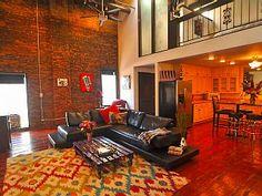 DOWNTOWN.. 2 level PENTHOUSE..Loft... - HomeAway Nashville
