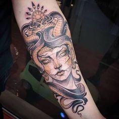 bedeutung der medusa tattoos tattoo pinterest gut. Black Bedroom Furniture Sets. Home Design Ideas