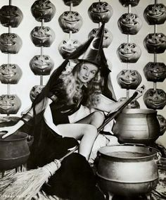 Vintage Halloween Pin Up
