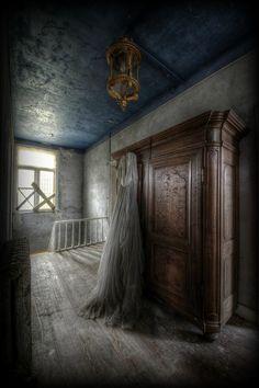 Empty Spaces  Abandoned  Decay  Manoir DP ... Avril '14 - abandonnés Lieux