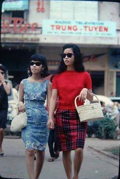 The Moggys Mekong Madness: 60s Fashion Saigon Style