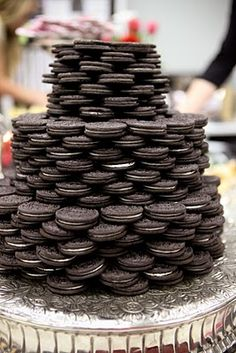 Forget Rich Tea Biscuits, How About an Oreo Wedding Cake