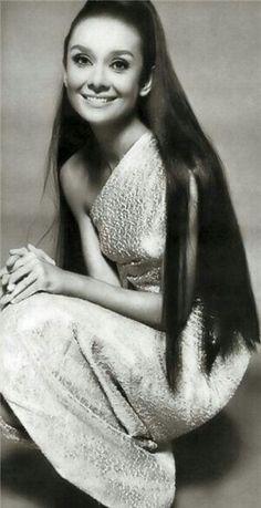 Audrey Hepburn - http://sulia.com/channel/fashion/f/b62e947a-197e-45ff-98a7-bba64e3e14a9/?source=pinaction=sharebtn=smallform_factor=desktoppinner=125430493