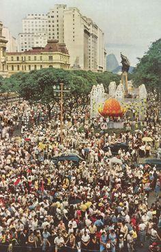 Esse é o Rio de Janeiro Carnaval na Cinelandia em 1954