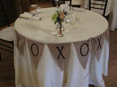 LOVE the burlap XOXO banner for the sweetheart table!