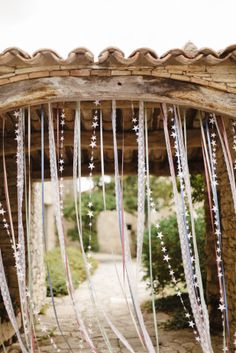 Xavier Navarro - Bohemian wedding at Opedette in the Luberon - emilie belkhachine - - Xavier Navarro – Mariage boheme a Opedette dans le Luberon Xavier Navarro – bohemian wedding at Opedette in the Luberon – The barefoot marie Diy Wedding Garland, Wedding Decorations, Wedding Ribbons, Centerpiece Decorations, Star Wedding, Dream Wedding, Wedding Weekend, Deco Champetre, Provence Wedding