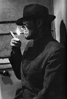 Jack Nicholson in The Postman Always Rings Twice remake of 1946 film of same name and James M. Jack Nicholson, Classic Hollywood, Old Hollywood, Hollywood Actresses, Mafia, People Smoking, Foto Art, Charlie Chaplin, Mans World