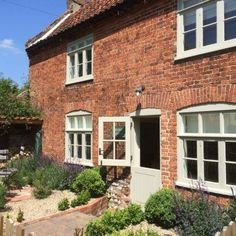 52 Ideas White Front Door Exterior Victorian Terrace For 2019 Cottage Front Doors, Brick Cottage, Cottage Windows, Cottage Door, Cottage Exterior, House Windows, Wood Windows, Norfolk Cottages, Cottages Uk