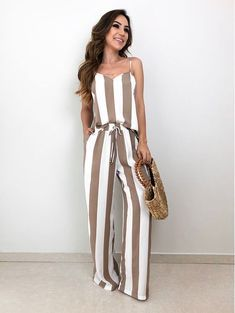 How to wear fall fashion outfits with casual style trends Classy Outfits, Casual Outfits, Cute Outfits, Fashion Outfits, Womens Fashion, Playsuits, Jumpsuits, Casual Chic, Casual Looks