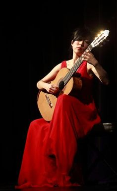 MUSIC FROM CHINA // A Musical Pioneer: China's Classical Guitarist Xuefei Yang // http://theculturetrip.com/asia/china/articles/a-musical-pioneer-china-s-classical-guitarist-xuefei-yang/
