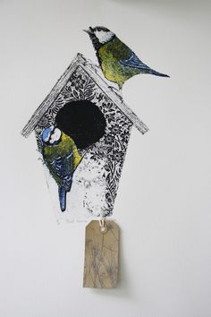 Sue Brown has been a professional artist for 15 years. Her work is inspired by nature and been driven by exploring intaglio printmaking techniques. Collagraph Printmaking, Printmaking Ideas, Black Bird Tattoo, Bird Pictures, Art Club, Gravure, Textile Art, Illustrations Posters, Illustration Art