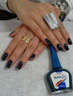 Digna nuevo tono Masglo Manicure And Pedicure, Pretty Nails, Pretty Woman, Nail Polish, Vogue, Drink, Makeup, Beauty, Food