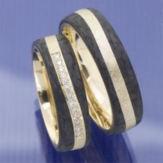 Elegant wirkende Carbon Weissgold Rotgold Trauringe P
